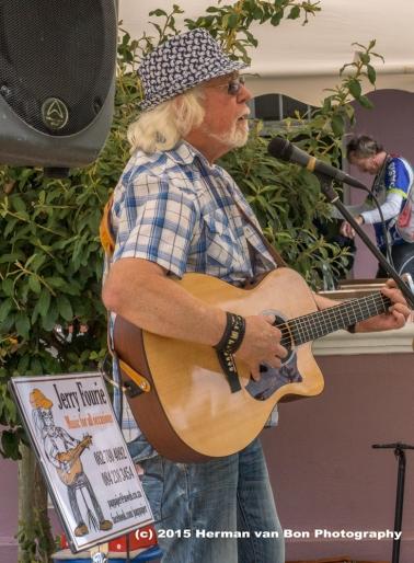 the local troubadoer 'Papa Jer'